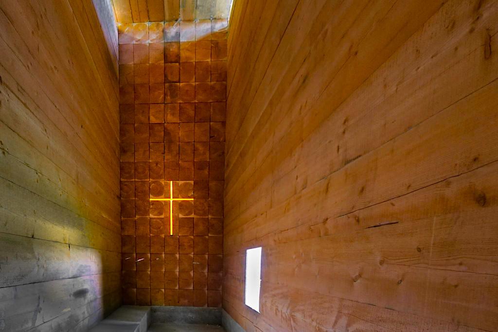 Kapelle Unterliezheim von innen - 7 Kapellen sind eine der Sehenswürdigkeiten an Rad- und Wanderwegen im Dillinger Land, Bayern