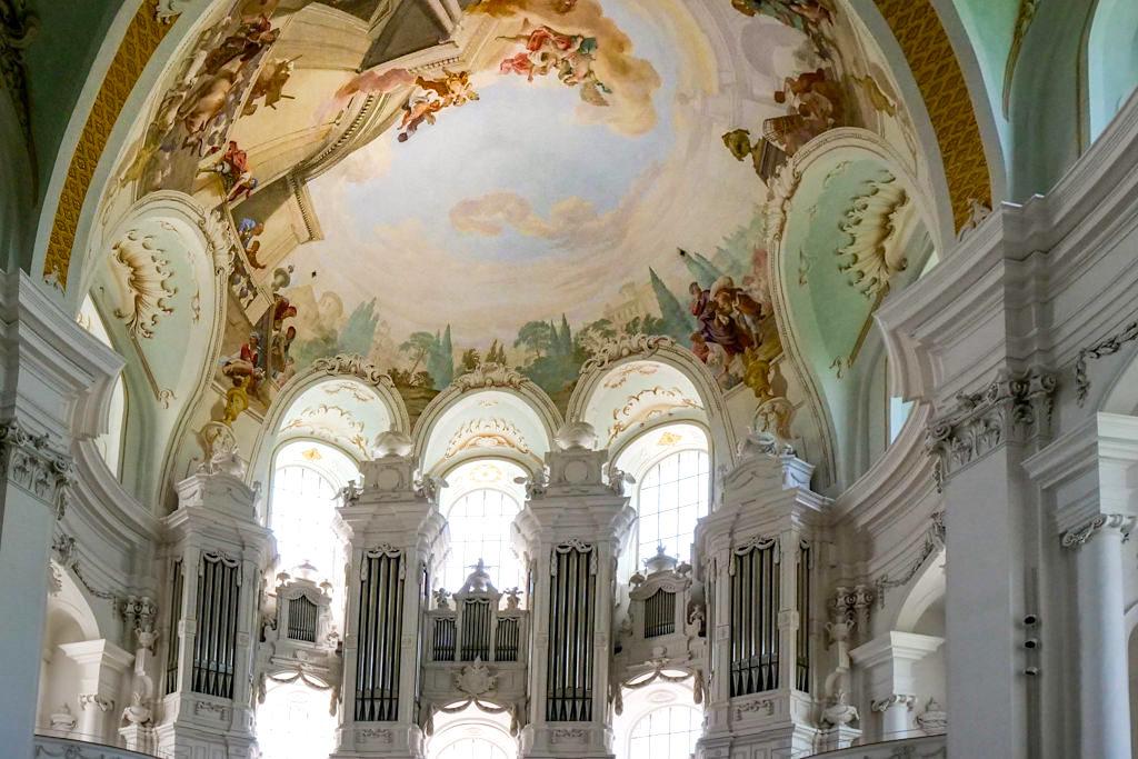 Berühmte Hauptorgel der Klosterkirche Neresheim von Johann Nepomuk Holzhey - Sehenswürdigkeiten Ferienland Donau-Ries & Schwäbische Alb, Baden-Württemberg