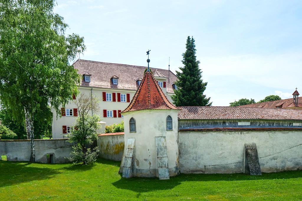 Schloss Polsingen mit Rundturm & Wehrmauern - Donau-Ries, Bayern