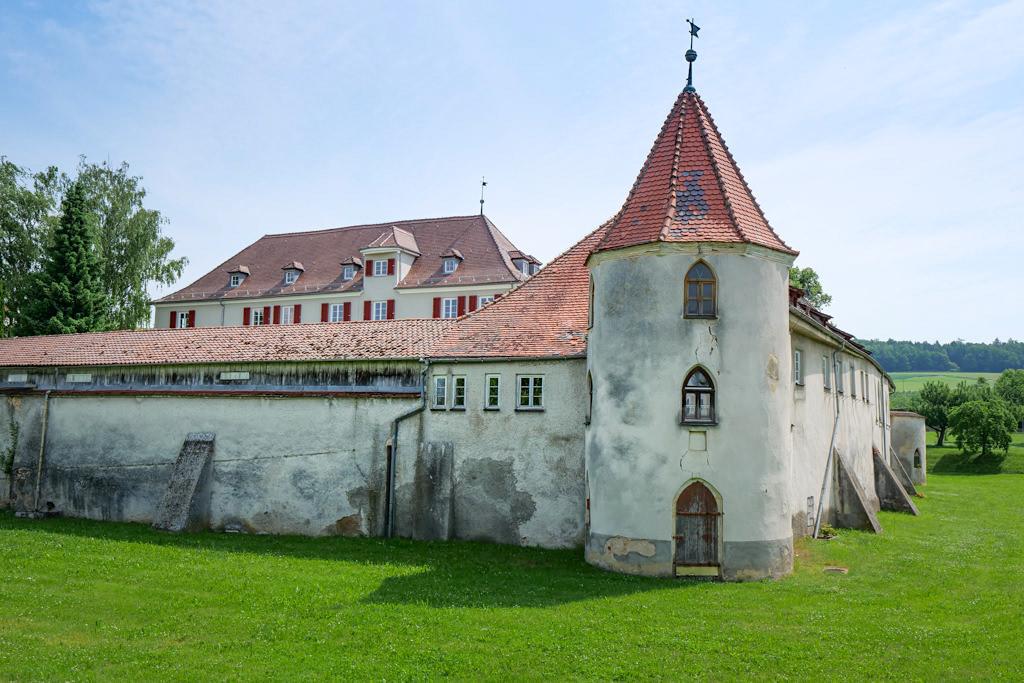 Schloss Polsingen oder Wöllwarth'sches Wasserschloss - Burgen & Schlösser im Donau-Ries, Bayern