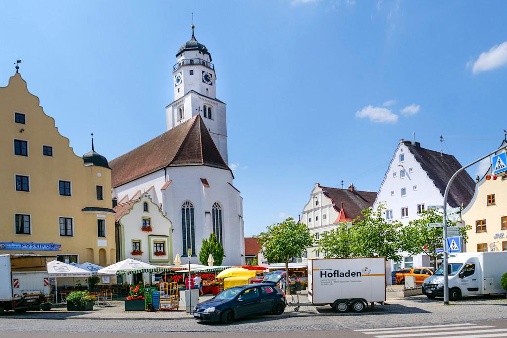Höchstädt an der Donau - Marktplatz & Altstadt mit schönen historischen Bürgerhäusern - Bayern