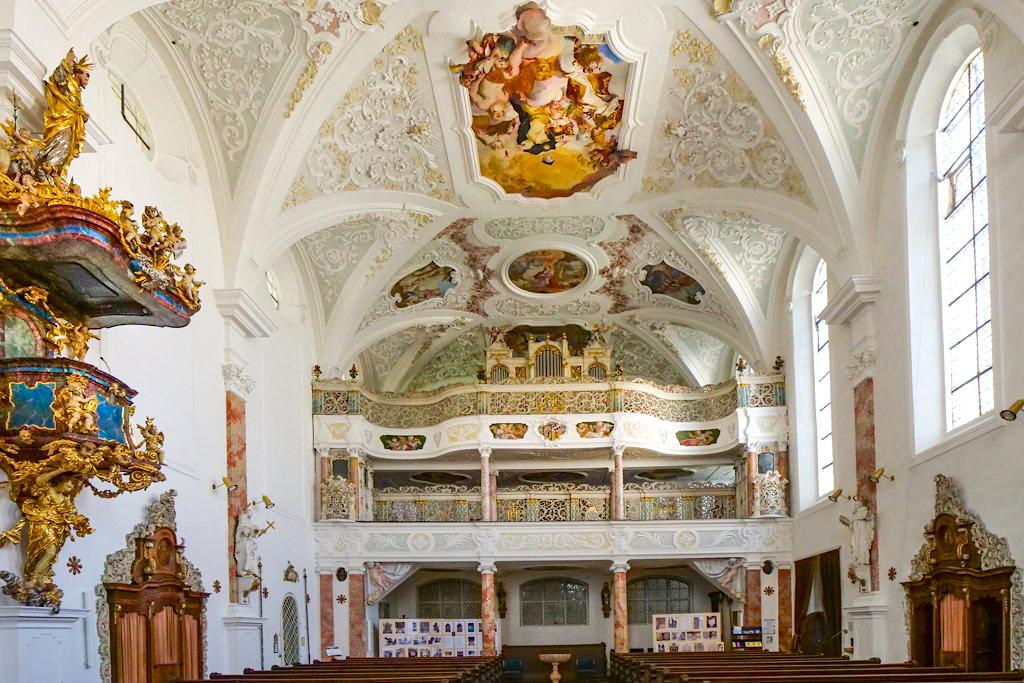 Klosterkirche Maria Medingen - Wunderschön gefertigte Doppel-Empore am Ende des Langhauses - Sehenswürdigkeiten im Dillinger Land, Bayern