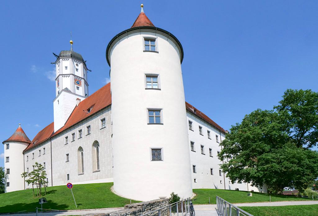Schloss Höchstädt - Imposantes Wahrzeichen von Höchstädt an der Donau - Bayern